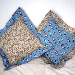 Housse-de-coussin-volant-bleu-fleuri-beige-sable-45×45-8