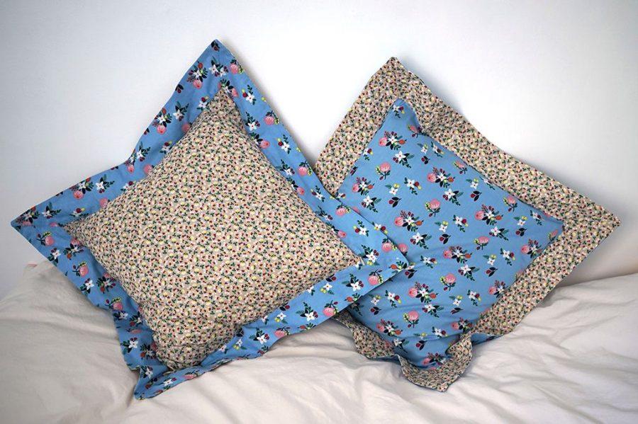 DEPLUSBELLE Housse de coussin à volant bleu fleuri ou beige sable 45x45 cm! cm