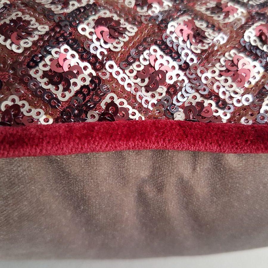 DEPLUSBELLE housse de coussin en velours BEIGE en sequins en motif geometrique avec passepoil rouge foncé 40x40 cm!