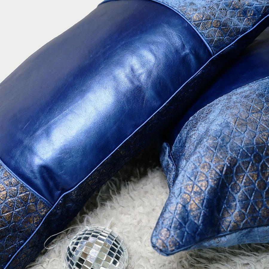 DEPLUSBELLE housse de coussin cuir bleu nuit et tissus geometrique effet bronzé 35x50 cm!